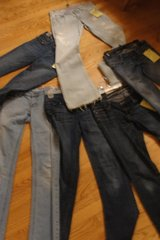 Wide Variety of Junior Girls Jeans/clothing in Sugar Grove, Illinois